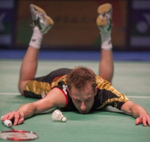 peter gade diving on court